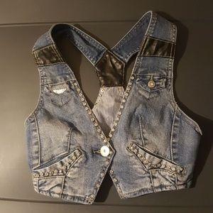 Love Culture Cropped Vest